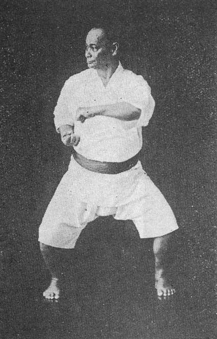 Choki Motobu. Fotografía tomada de https://fi.wikipedia.org/wiki/Motobu_Ch%C5%8Dki#/media/Tiedosto:Motobu_Choki2.jpg